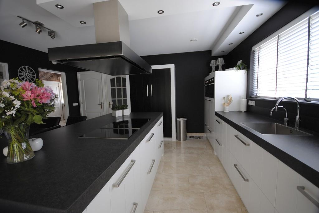 Stijlvolle keuken in landelijke stijl landelijke keukens wonen in rustieke stijl - Moderne keuken stijl fotos ...