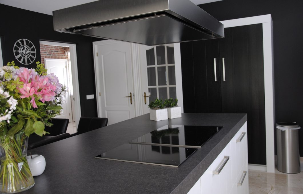 Landelijk moderne Pure Dutch keuken in Hardinxveld-Giessendam