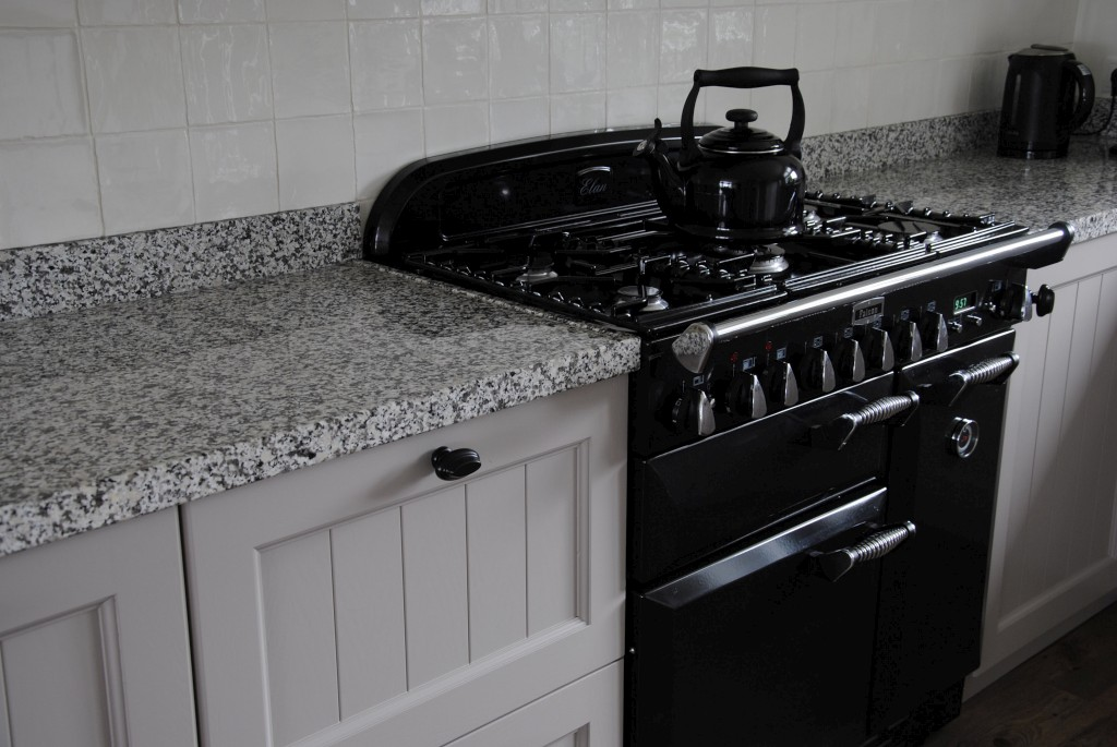 Fornuis Keuken Landelijk : Landelijke keuken met terrazzo in alblasserdam keukenhof sliedrecht