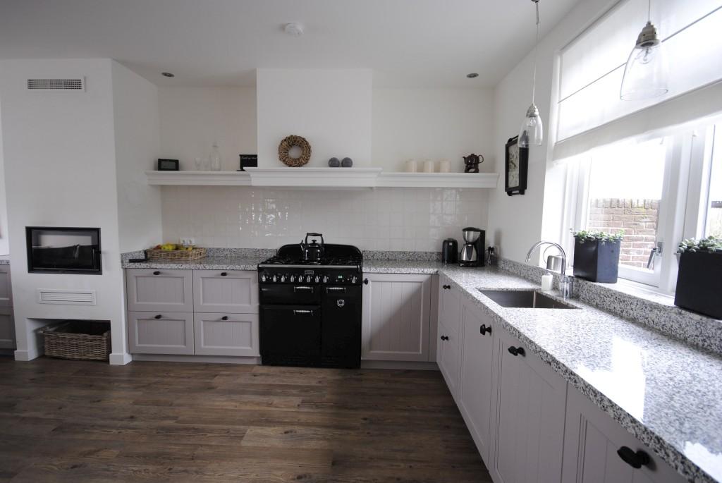 Landelijke keukens keukenhof sliedrecht for Keuken landelijk maken