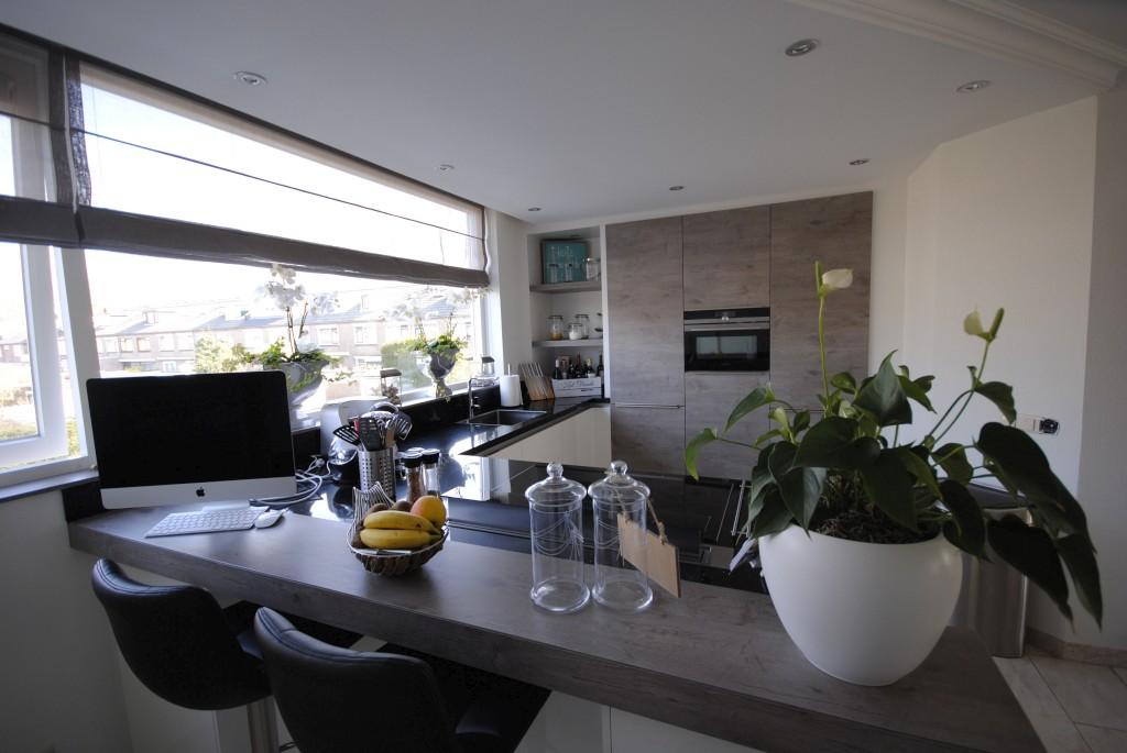 Moderne Keuken Kleuren : Moderne keuken met downdraft in hardinxveld giessendam keukenhof