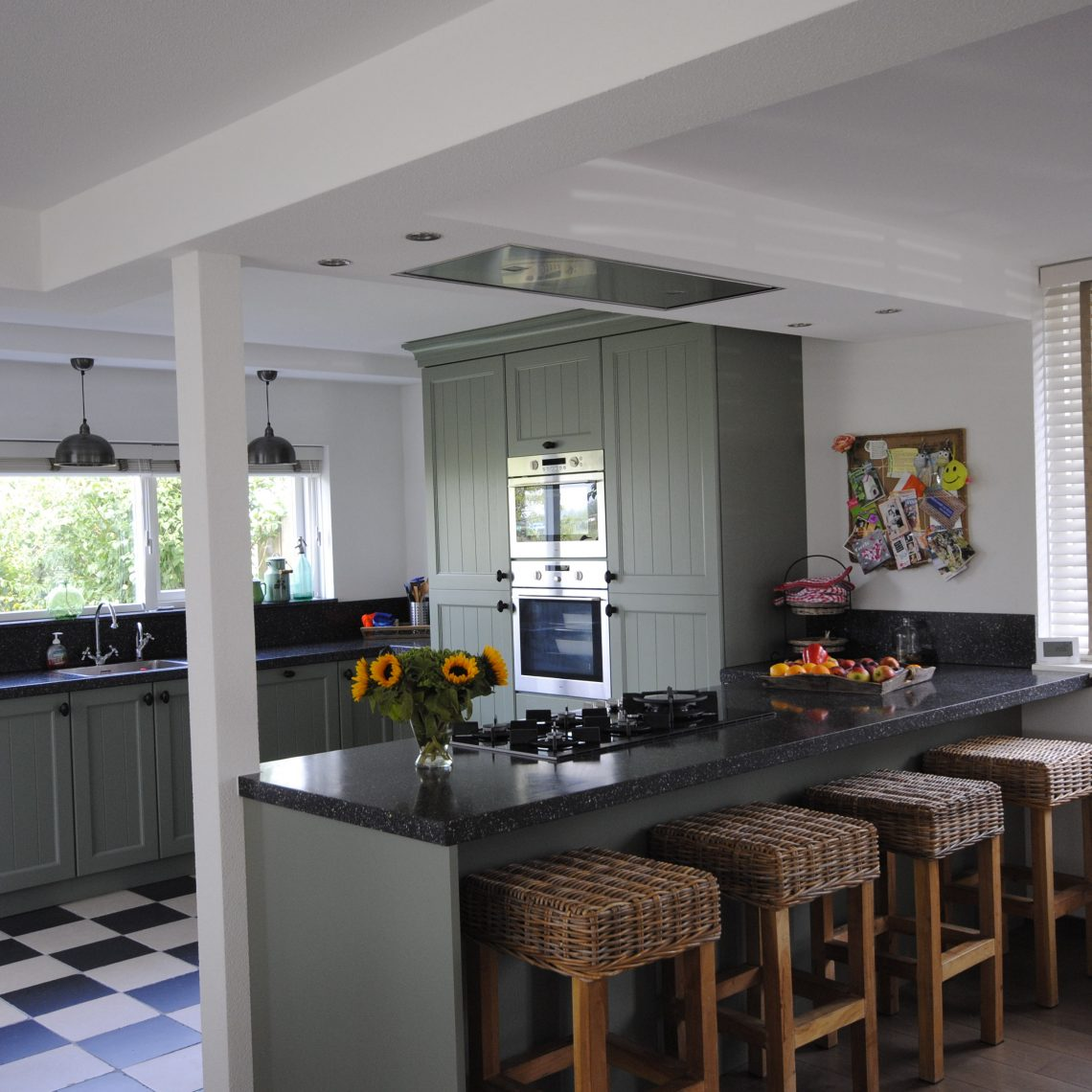 Landelijke Keuken Met Schiereiland : Landelijke keuken in Alblasserdam – Keukenhof Sliedrecht