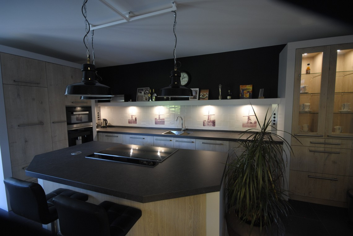Houten keuken white wash in Groot-Ammers - Keukenhof Sliedrecht
