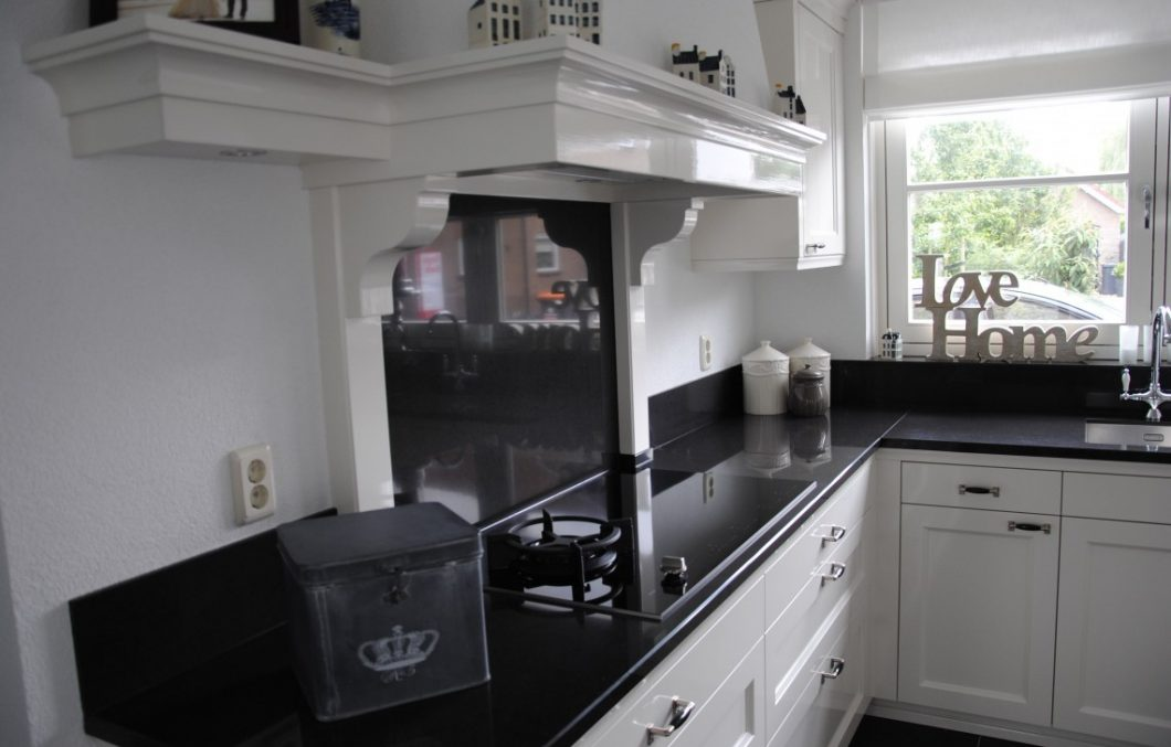 Handgemaakte schouw keuken
