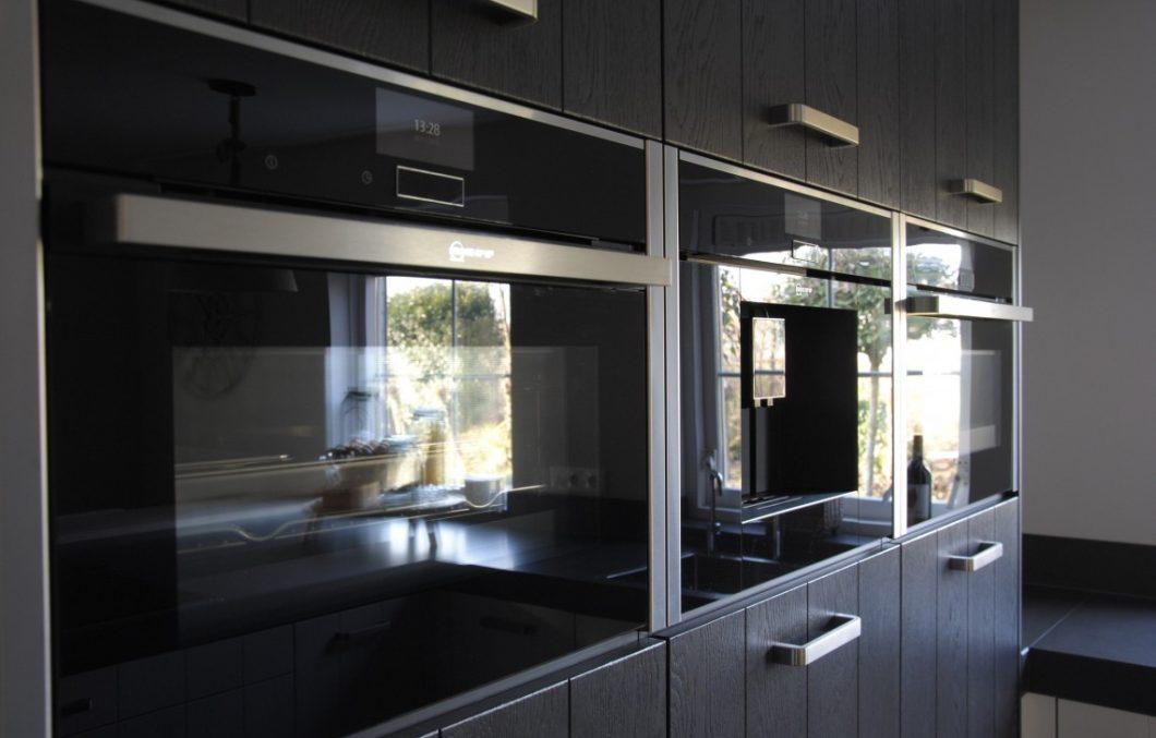 Keuken met geavanceerde apparaten