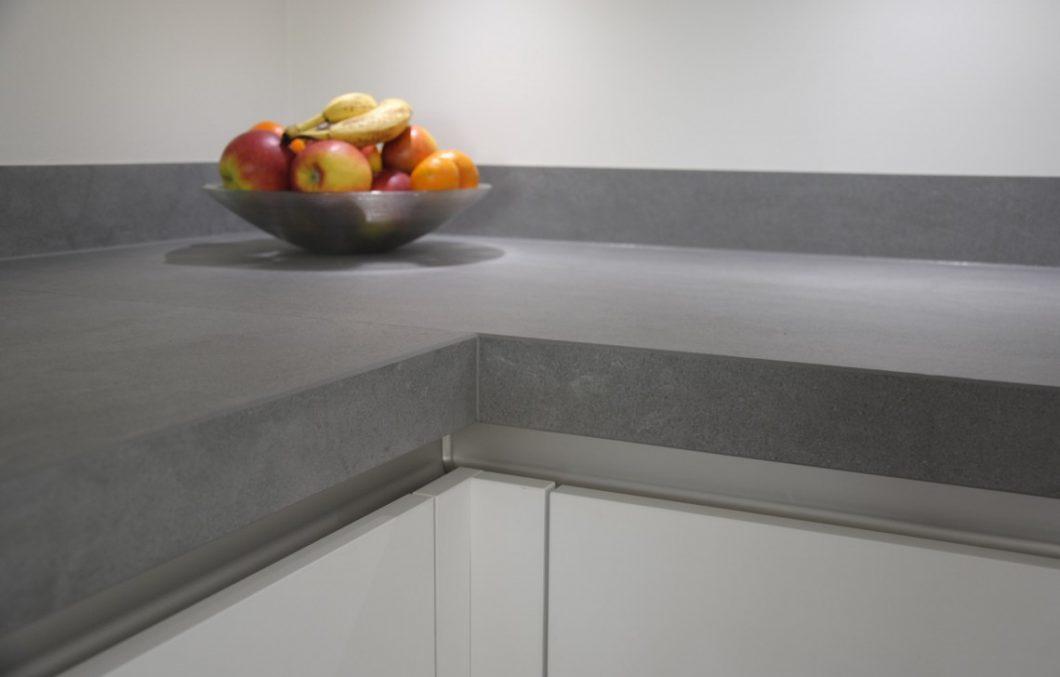 Moderne keuken met keramiek