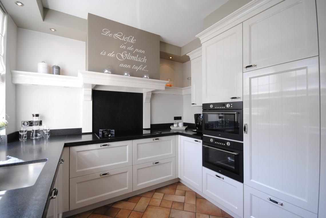 71 landelijke keukens voorbeelden keuken fotos in landelijke stijl car landelijke keuken met - Fotos keukens ...