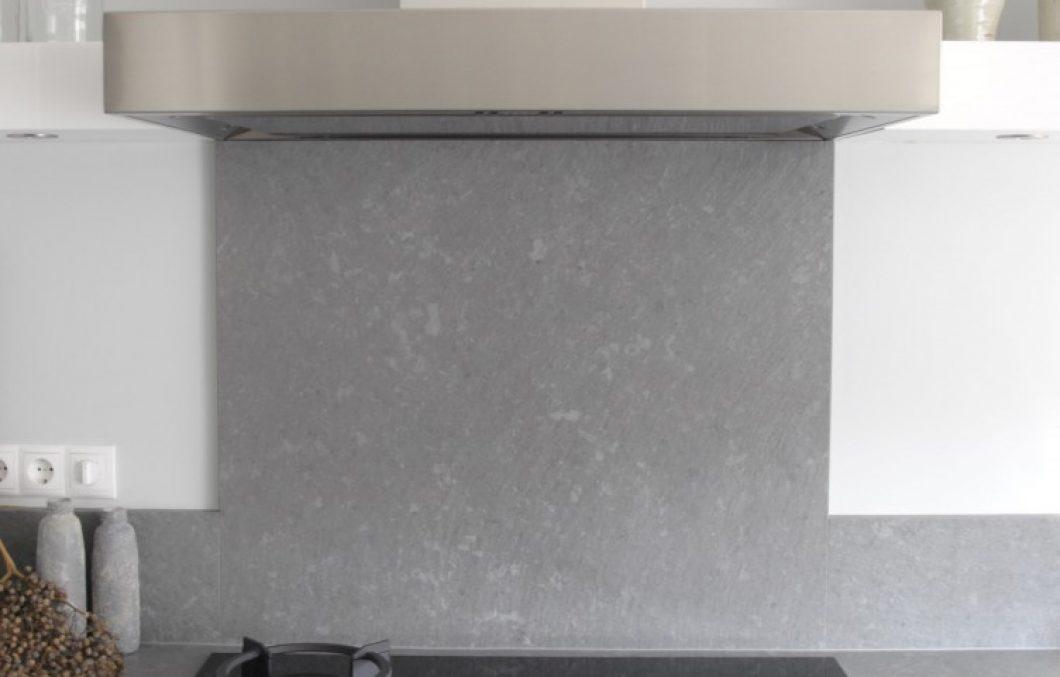 Moderne keuken met rvs schouw