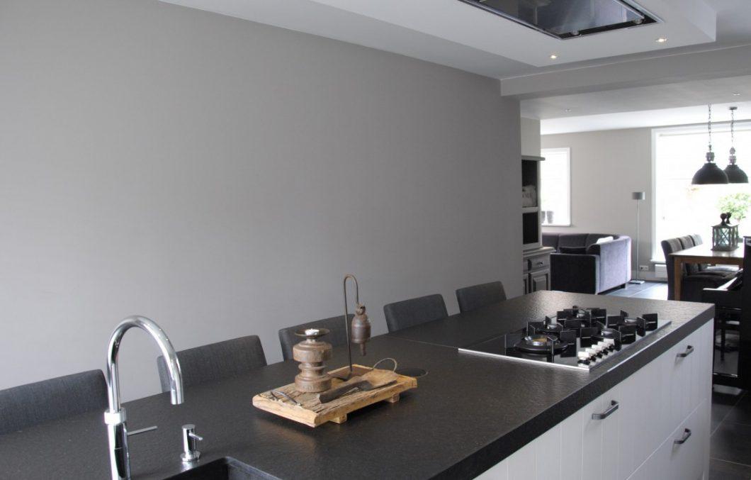 Moderne keuken met een landelijke toets