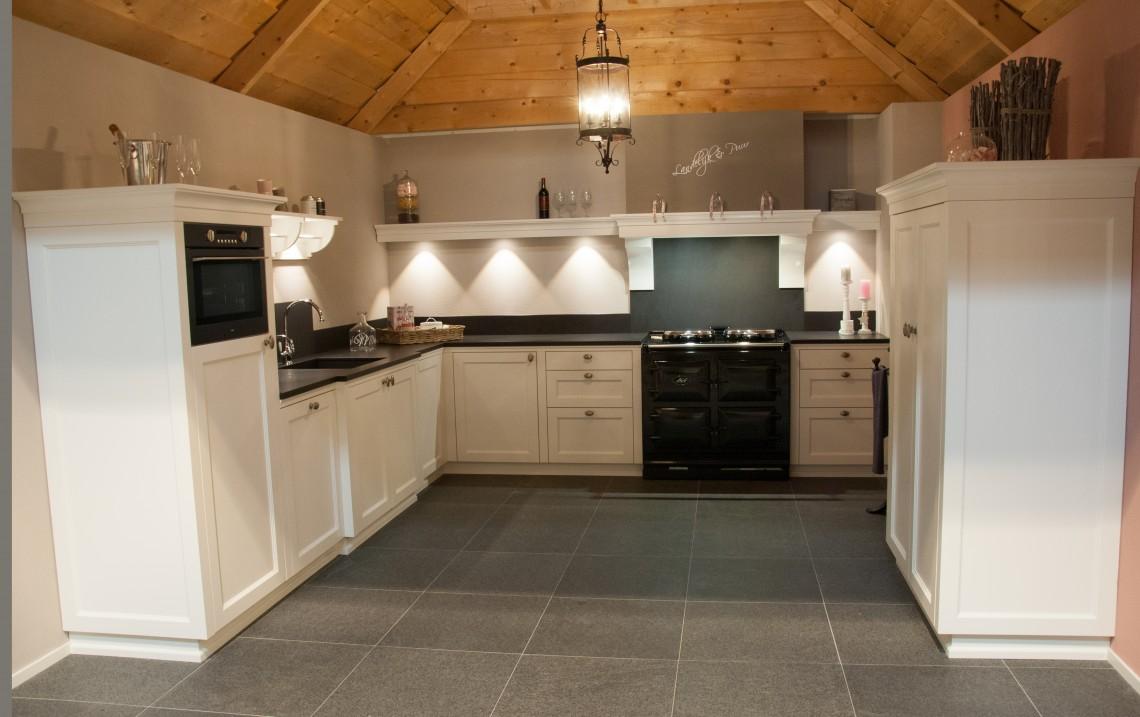 Keuken Showroom Uitverkoop : Sfeervolle showroom keuken keukenhof sliedrecht