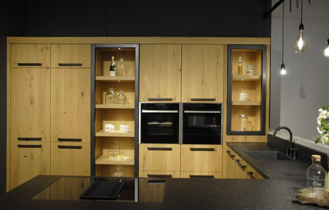 Houten keuken gecombineerd met staal van Pure Dutch