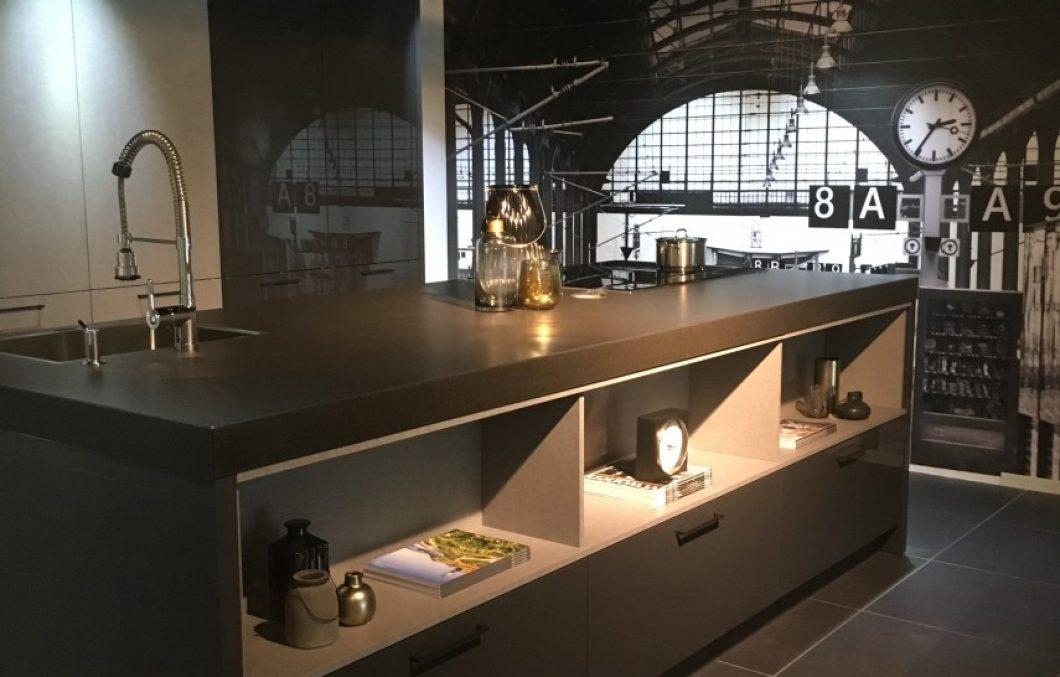 Kookeiland in de moderne keuken