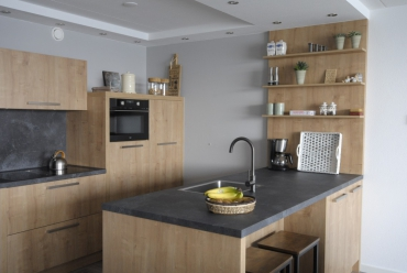 Moderne houten keuken in Papendrecht